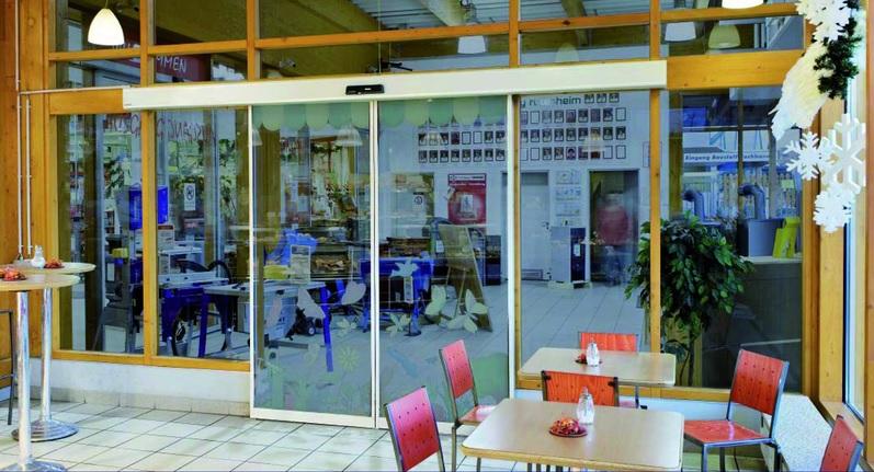 Porte automatique Magasin Paris – Marks et Spencer - Centre commercial Beaugrenelle
